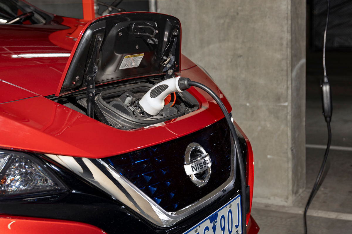 Nissan LEAF to light up Australia: