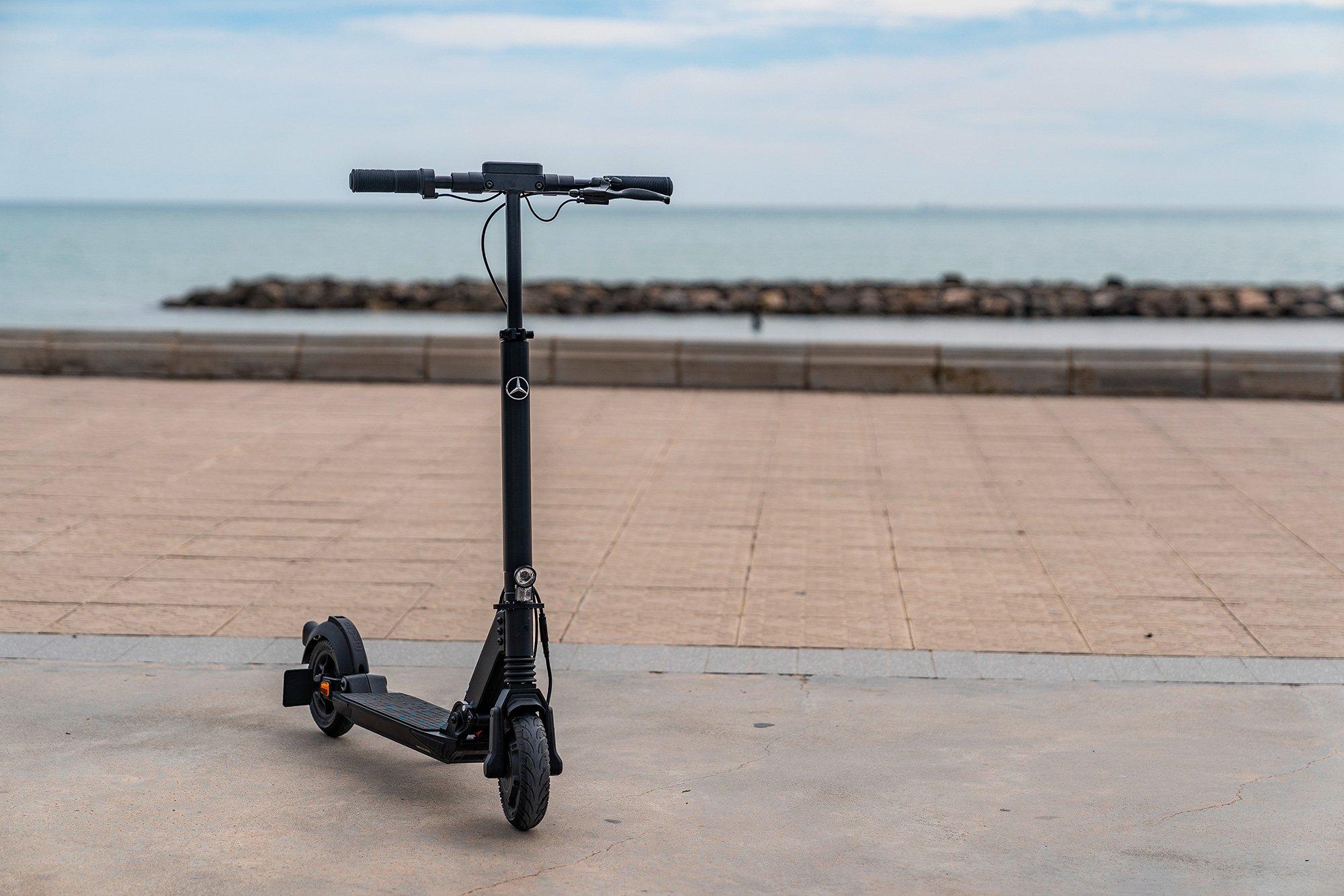 eScooter Mercedes−Benz