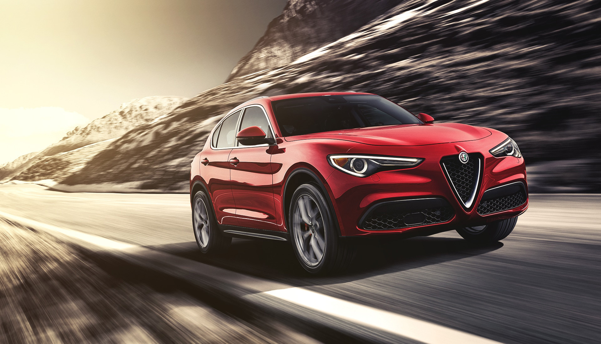 Alfa Romeo Stelvio-QV-lr-premio