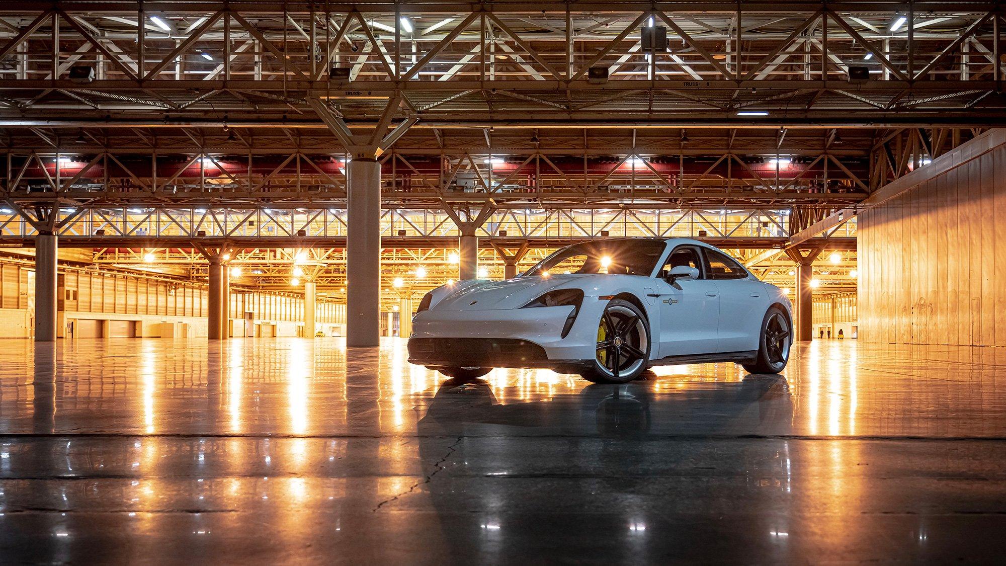 Record Guinness del Porsche Taycan