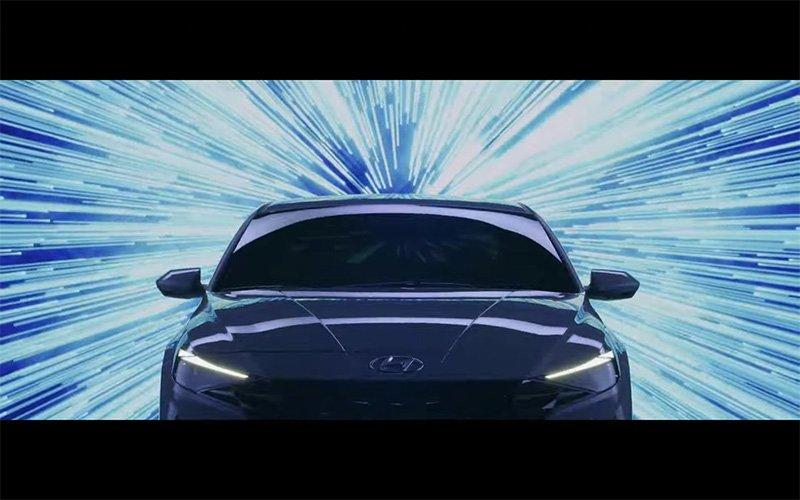Hyundai Elantra 2022 avace