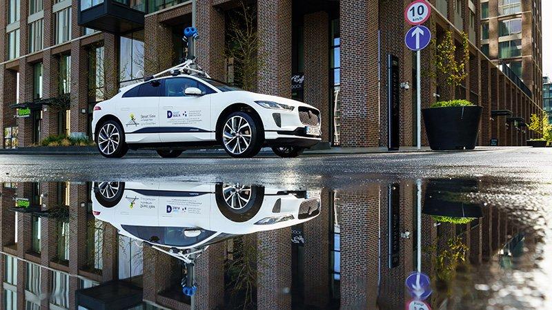Jaguar-I-PACE-x-Google-Street