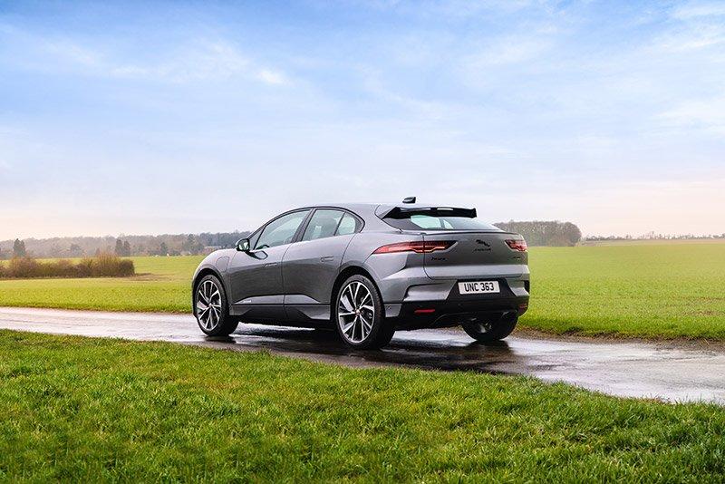 Jaguar I-PACE trasera lujo